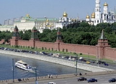 kreml-naberezhnaya_vladimir-vyatkin